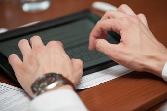Регистрация на сайте Росфинмониторинга не нарушает Закон об адвокатуре