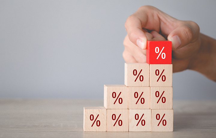 ВС указал, возможно ли взыскать проценты с долга обанкротившегося лица